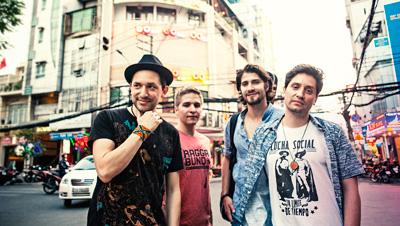 """Imagem de Show da banda """"Raggabund"""""""