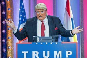 Donald-Trump-ist-als-Verkleidung-schwer-angesagt-zur-Fastnacht-hier-ein-Buettenredner-bei-der-Fastnachts-Fernsehsitzung-Mainz-bleibt-Mainz-wi_ArticleWide