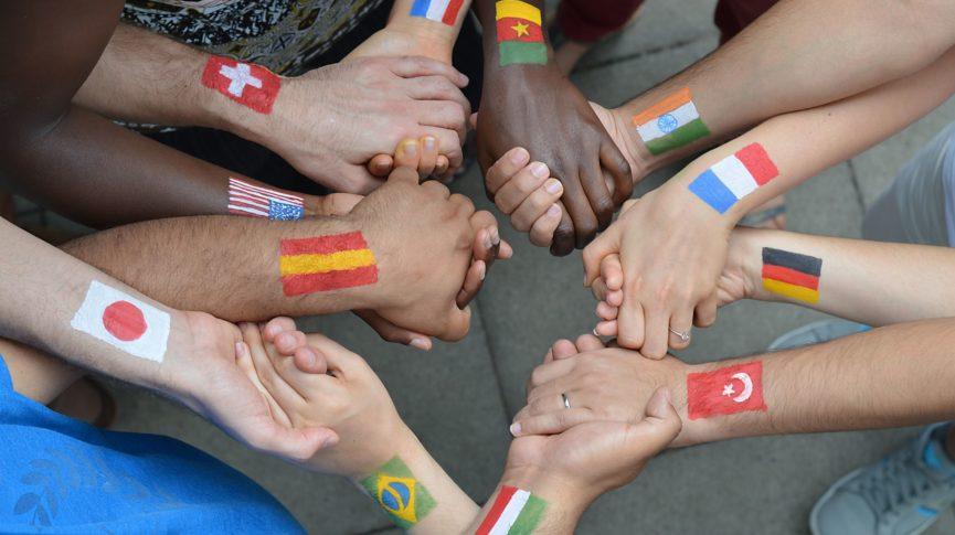 Imagem de 13a Feira Internacional das Embaixadas